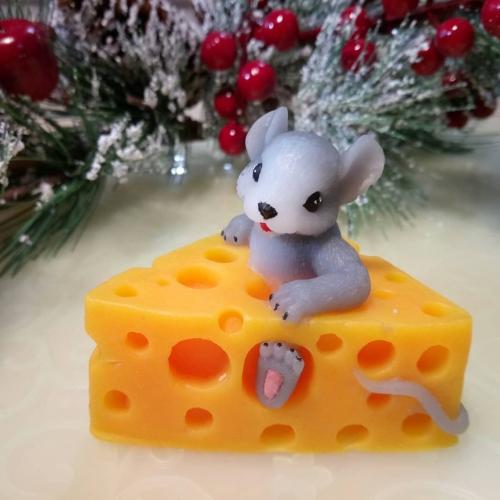 """Мыло """"Мышка в сыре"""""""