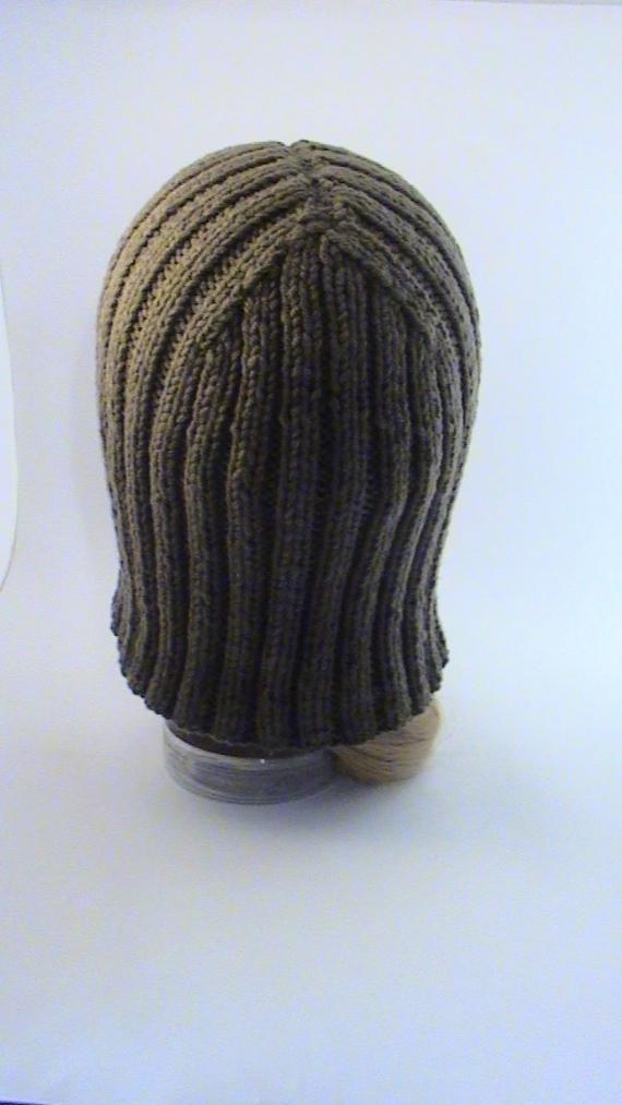 Шапка-паричок Каре коричневый, вязаный крупной вязкой