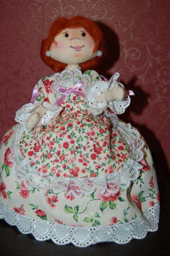 кукла - грелка на чайник Арина