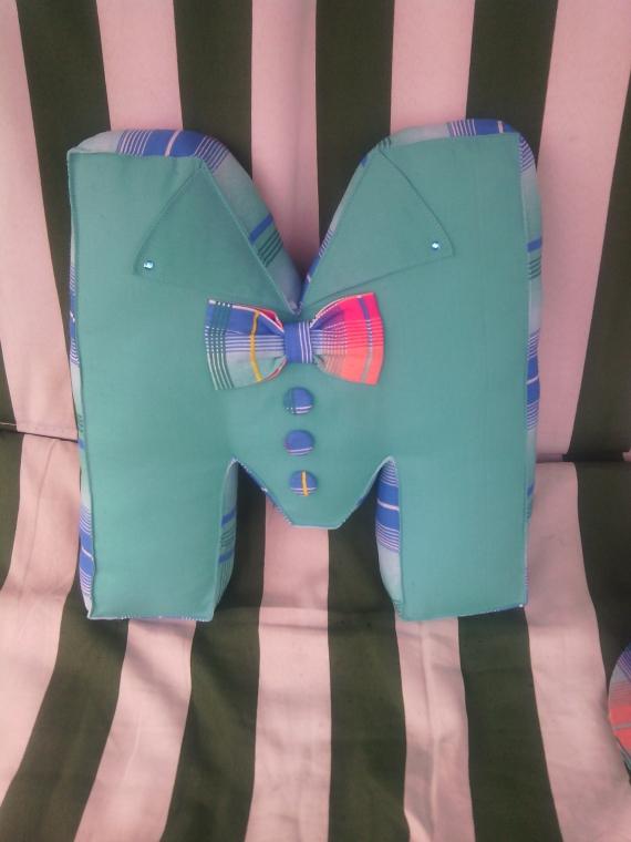 Подушка-буква М
