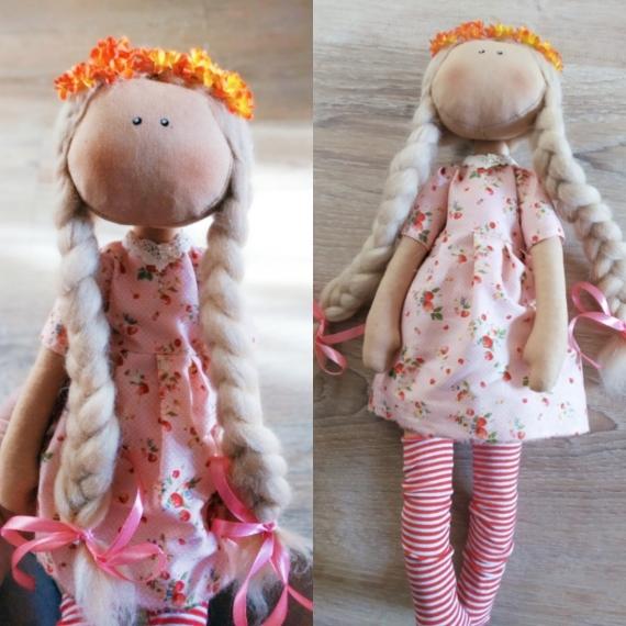 Клубничная кукла
