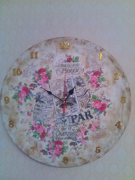 """Настенные часы тема :""""Франция"""" на деревянной основе"""