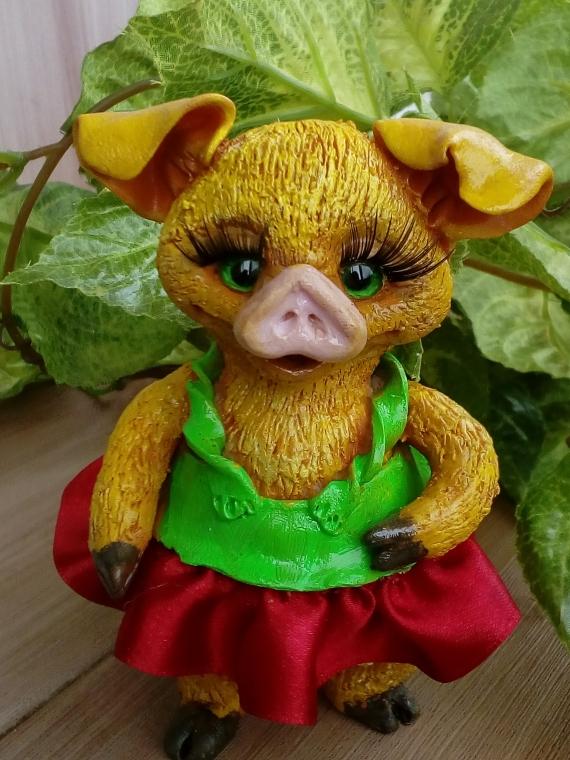 сувенирная свинка