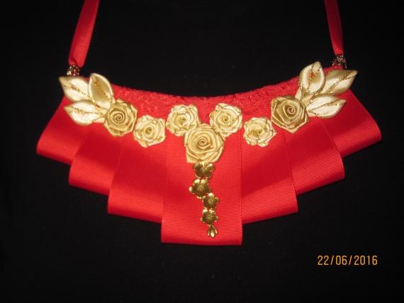 Золотистые цветы