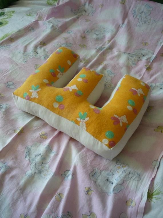 Подушки-буквы,декоративные подушки