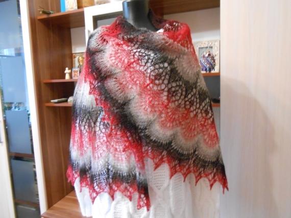 Ажурная невесомая шаль Фрея