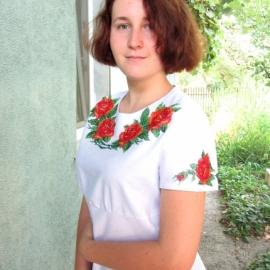 Вышитые платья, блузы