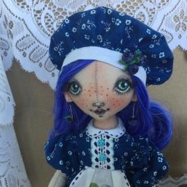 Куколка Черничка