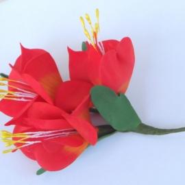 Заколка для волос /брошь Цветы из фоамирана
