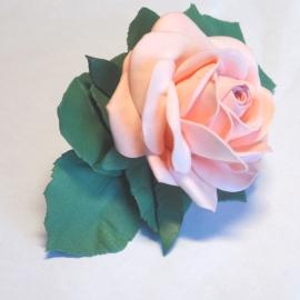 Заколка-автомат с маленькой розой