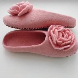 """Валяные тапочки """"Розовый пион"""""""