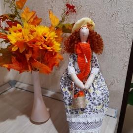 Текстильная кукла тильда  в осеннем наряде