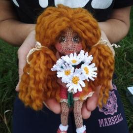 Авторская вязаная кукла