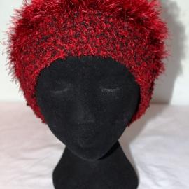 Шапка черно-красная