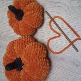 Вязаные тыквы