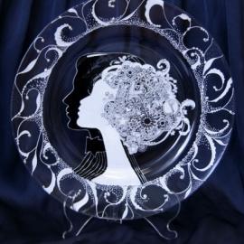 """Декоративная тарелка на подставке"""" Он и Она """""""