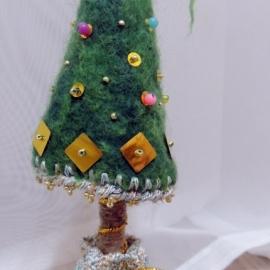 Интерьерная елка из шерсти