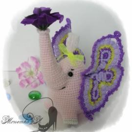 Слоно-бабочка