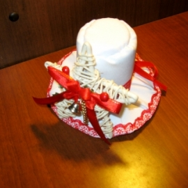 Шляпка-цилиндр (новогодняя)