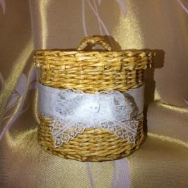 Шкатулка плетеная с крышкой