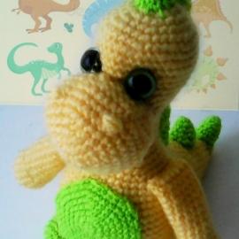 Маленький добрый динозаврик.