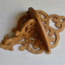 Декоративные полочки из дуба