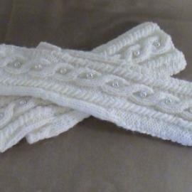 Митенки Роскошь жемчуга, белые, вязаные из полушерсти крупной вязкой