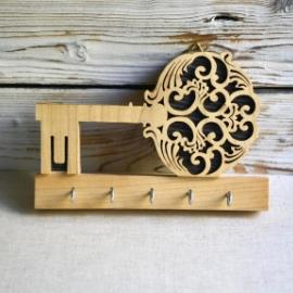 Резные ключницы из дерева