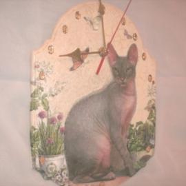 часы кошка -сфинкс