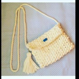 Вязаная трикотажная сумочка для стильных девчонок