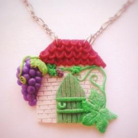 Кулон Дом с виноградом