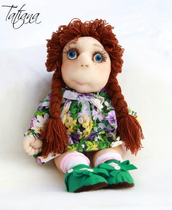 Малышка в цветочном платье))